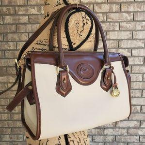 Dooney and Bourke leather pebble handbag